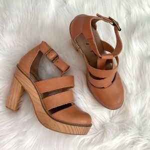 Free People • clog heels